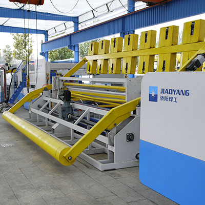 Full automatic reinforcing mesh production line