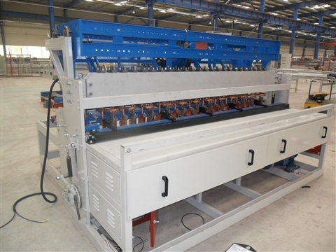 Automatic welding mesh making machine