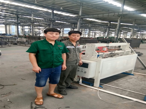 Full automatic wire mesh welding machine does not stop automatically