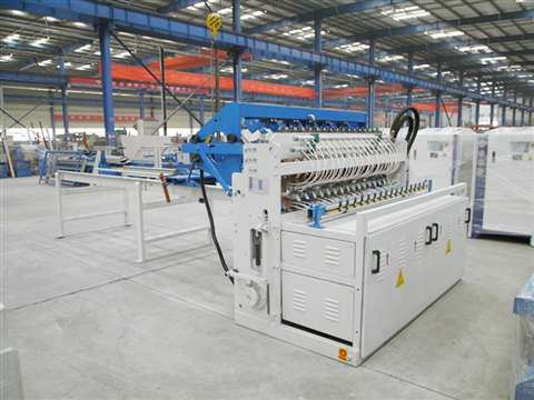 Fully automatic fence mesh welding machine